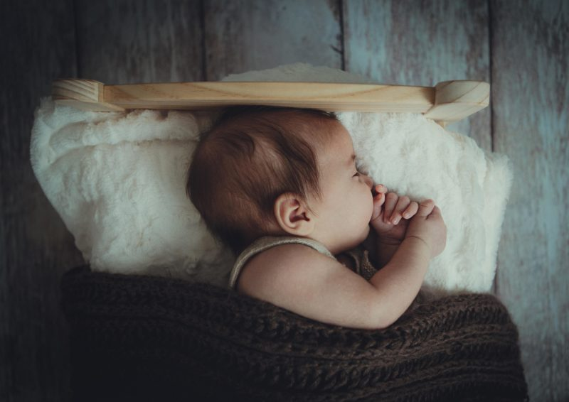 新生児の頭の形は変わりやすい!?向き癖が原因!?